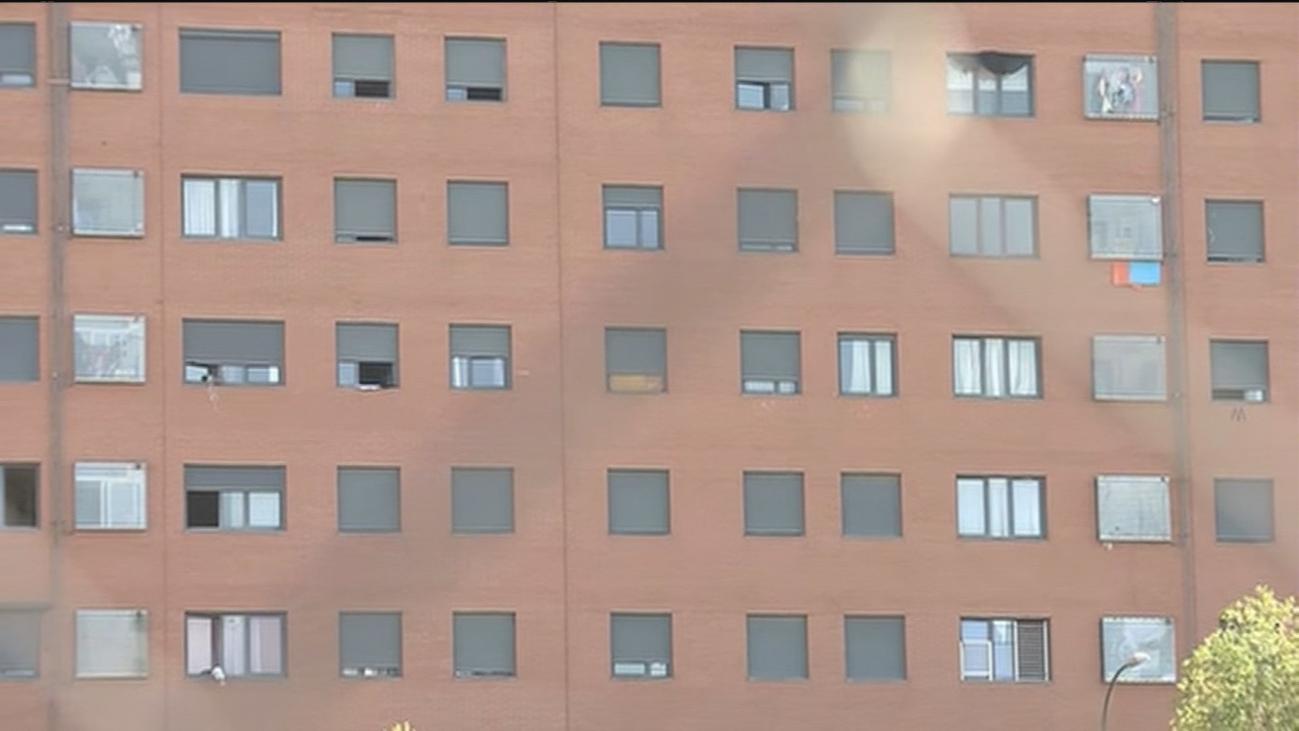 Situación insostenible en un edificio 'okupado' en el Ensanche de Vallecas