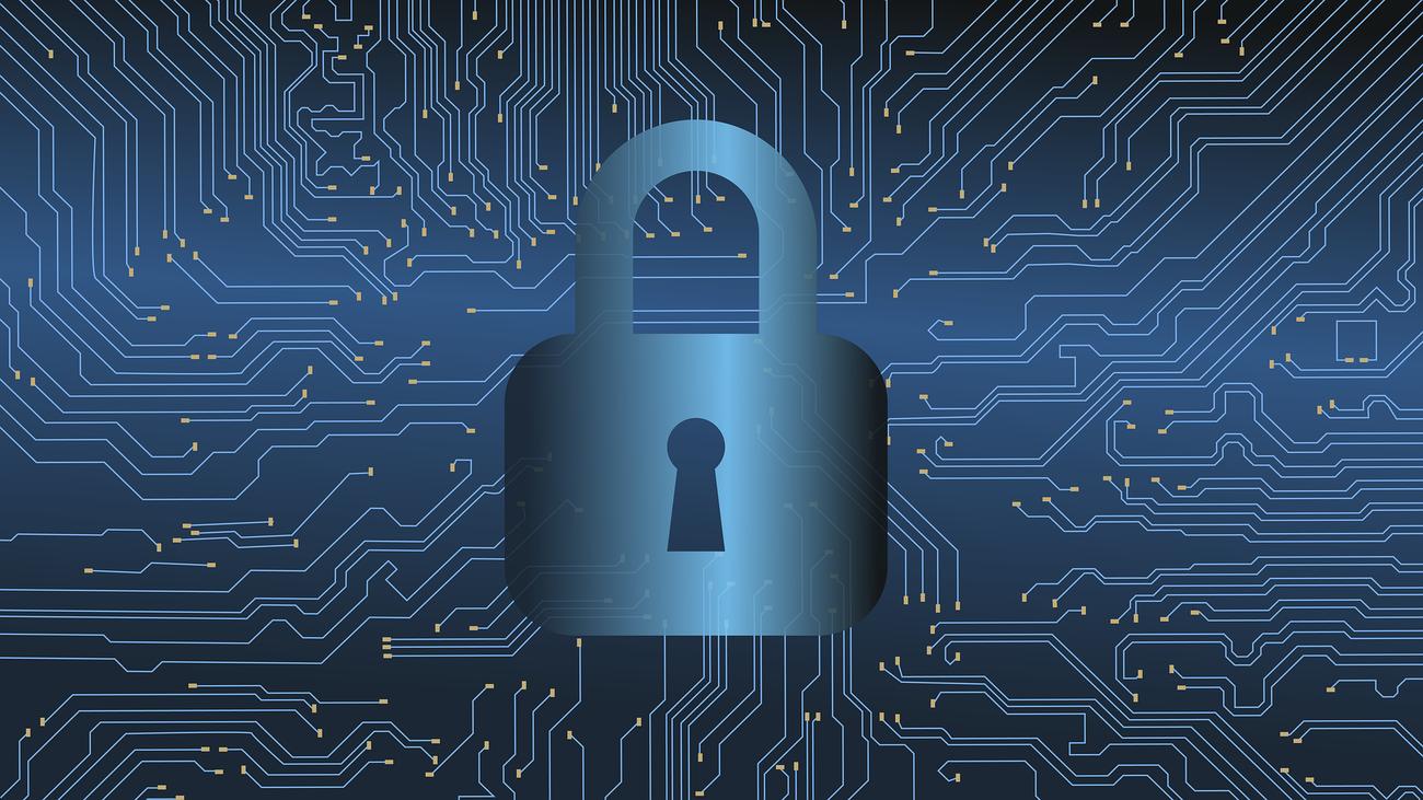 El consejero de Interior anuncia la creación de un departamento de ciberseguridad en colaboración con el CNI