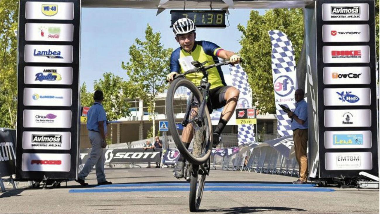 Más de 1.000 bikers en Paracuellos en el Circuito Scott 7 Estrellas