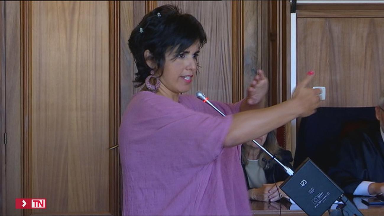 """Teresa Rodríguez se sintió """"como un objeto"""" cuando un empresario simuló besarla"""