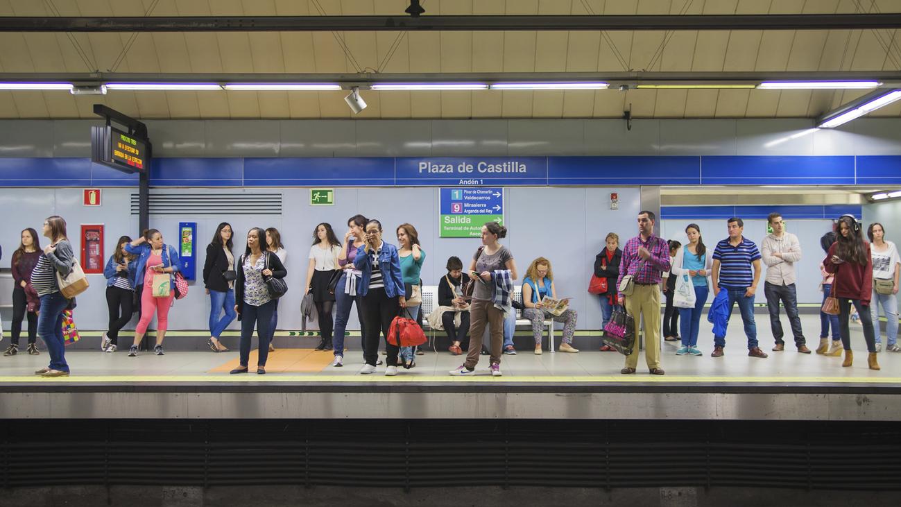 Las mujeres apuestan más por el transporte público y compartido que los hombres