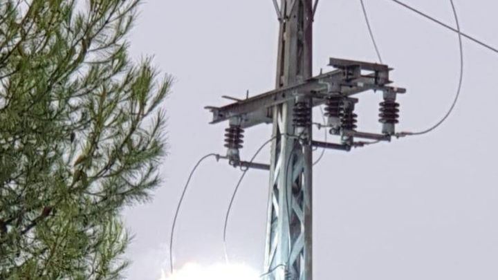 Un rayo provoca cortes de luz en Navalcarnero