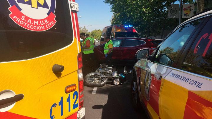 Fallece un motorista de 51 años tras colisionar con un coche en Canillejas