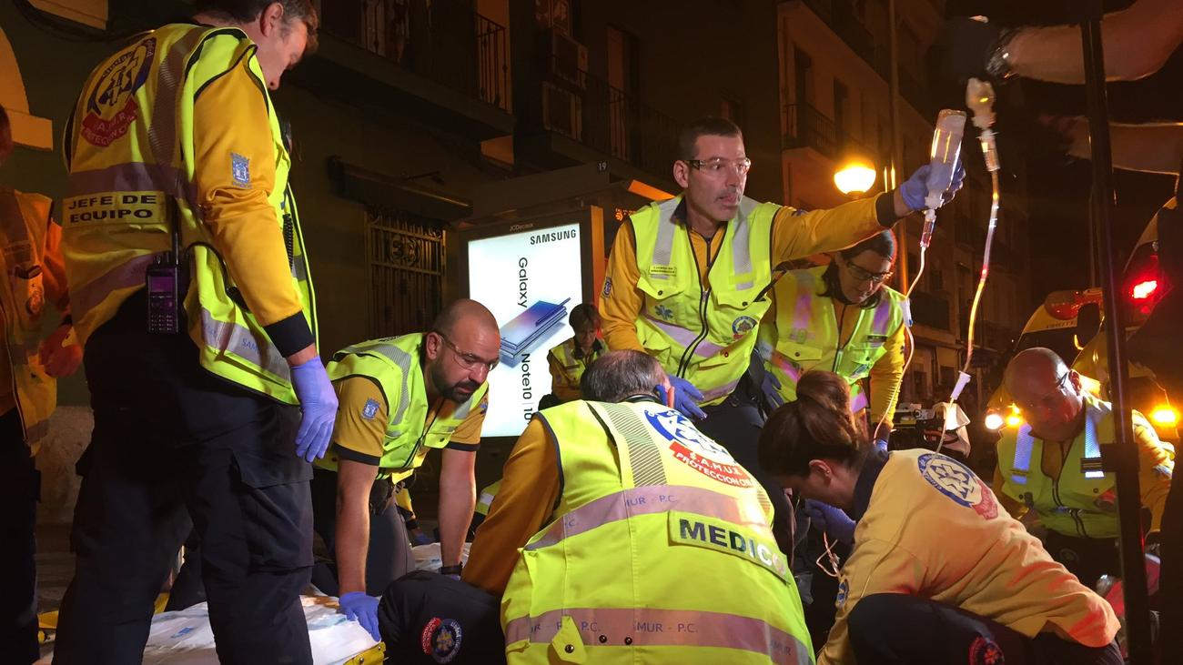 Dos jóvenes, heridos graves en una reyerta entre bandas latinas en Delicias