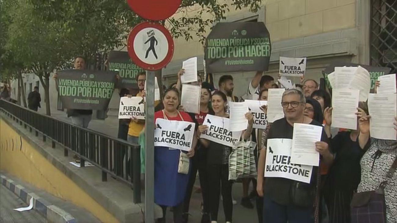 Protestan ante el Ayuntamiento