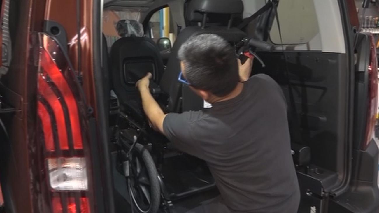 Así se transforma un coche para adaptarse a personas con movilidad reducida