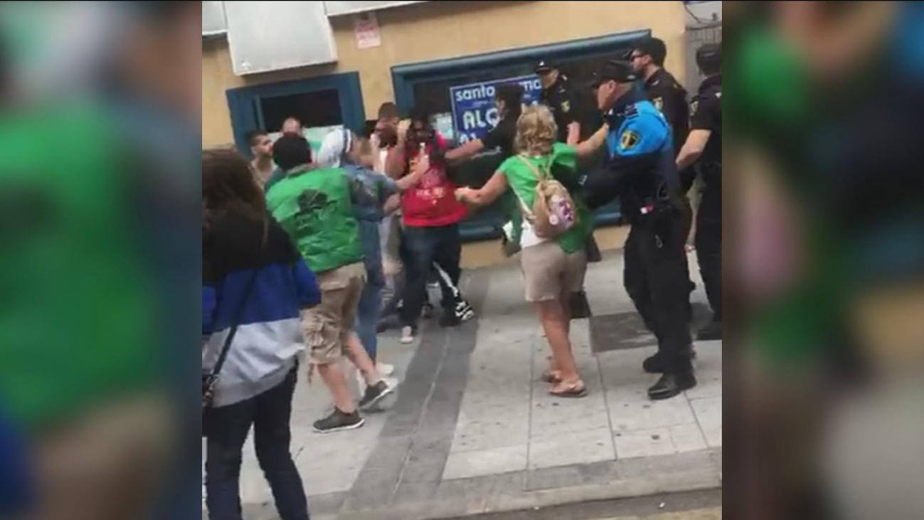 Dos detenidos y un agente herido durante un desahucio en Alcorcón