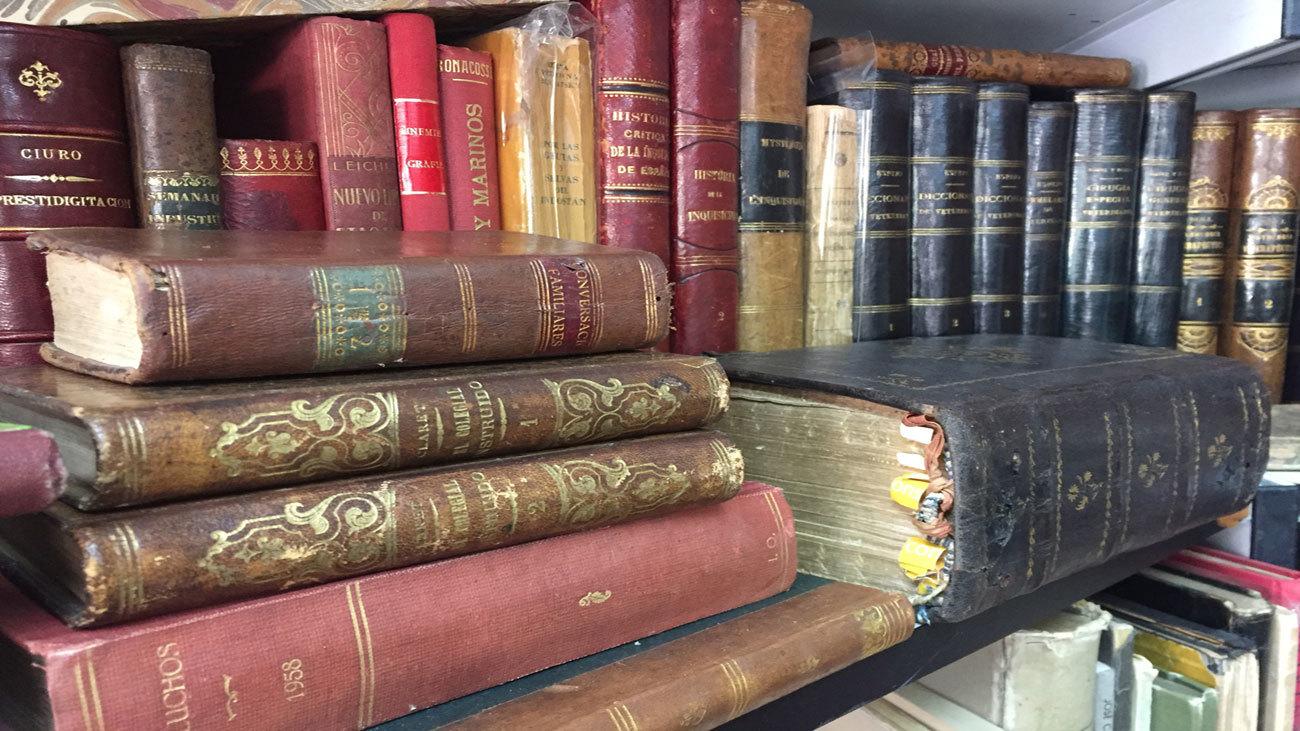 Feria del Libro Viejo-Antiguo Madrid