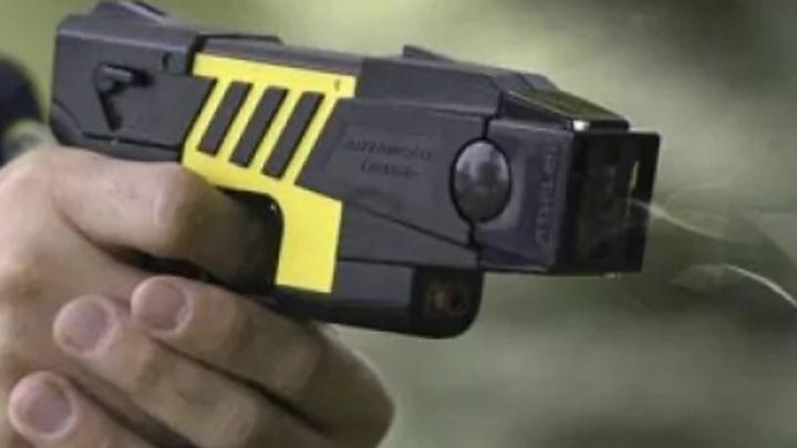¿Ves bien que la Policía Municipal de Madrid tenga pistolas táser?