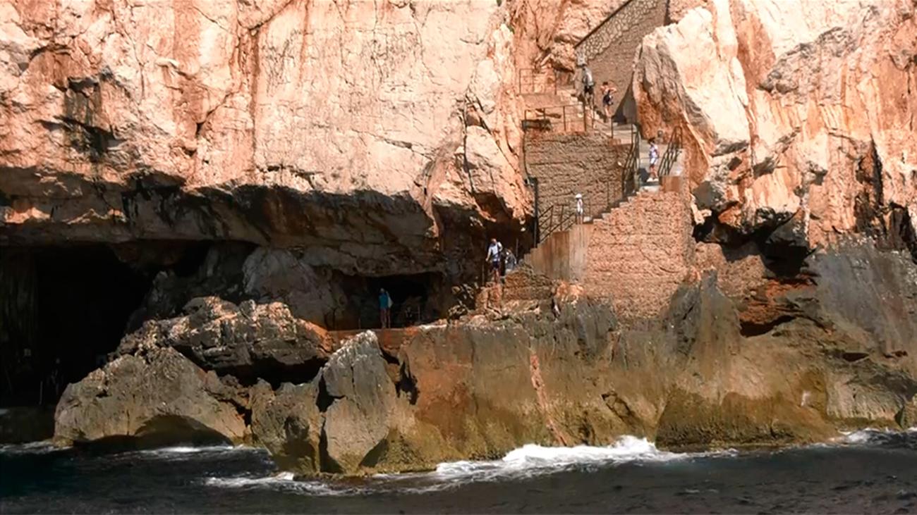 Excursión por la Gruta de Neptuno, monumento natural de Cerdeña