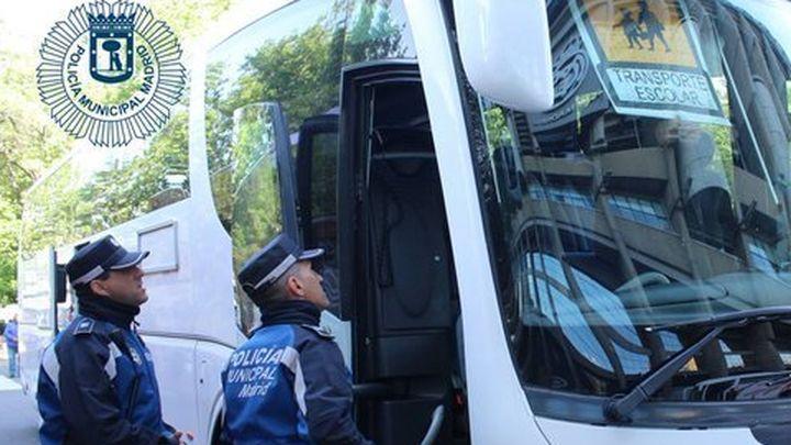 Dos conductores de autobús escolar de Madrid dan positivo en un control de drogas
