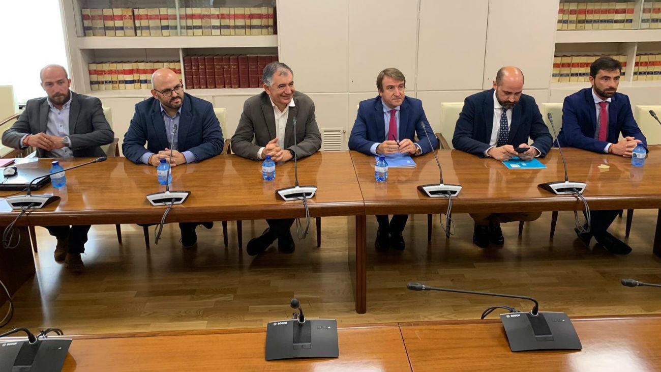 Alcaldes se reúnen con el Ministerio de Fomento