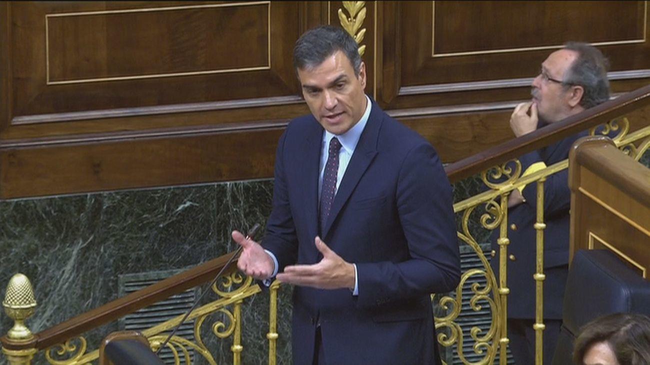 El CIS sitúa al PSOE como primera fuerza política, aunque cae 7 puntos