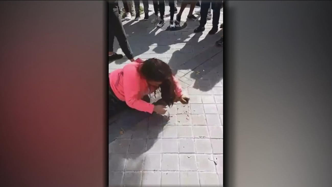 La niña que recibió una paliza en San Blas ya había sufrido varios ataques y amenazas