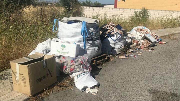 Algete localiza y denuncia al autor de un vertido ilegal de residuos