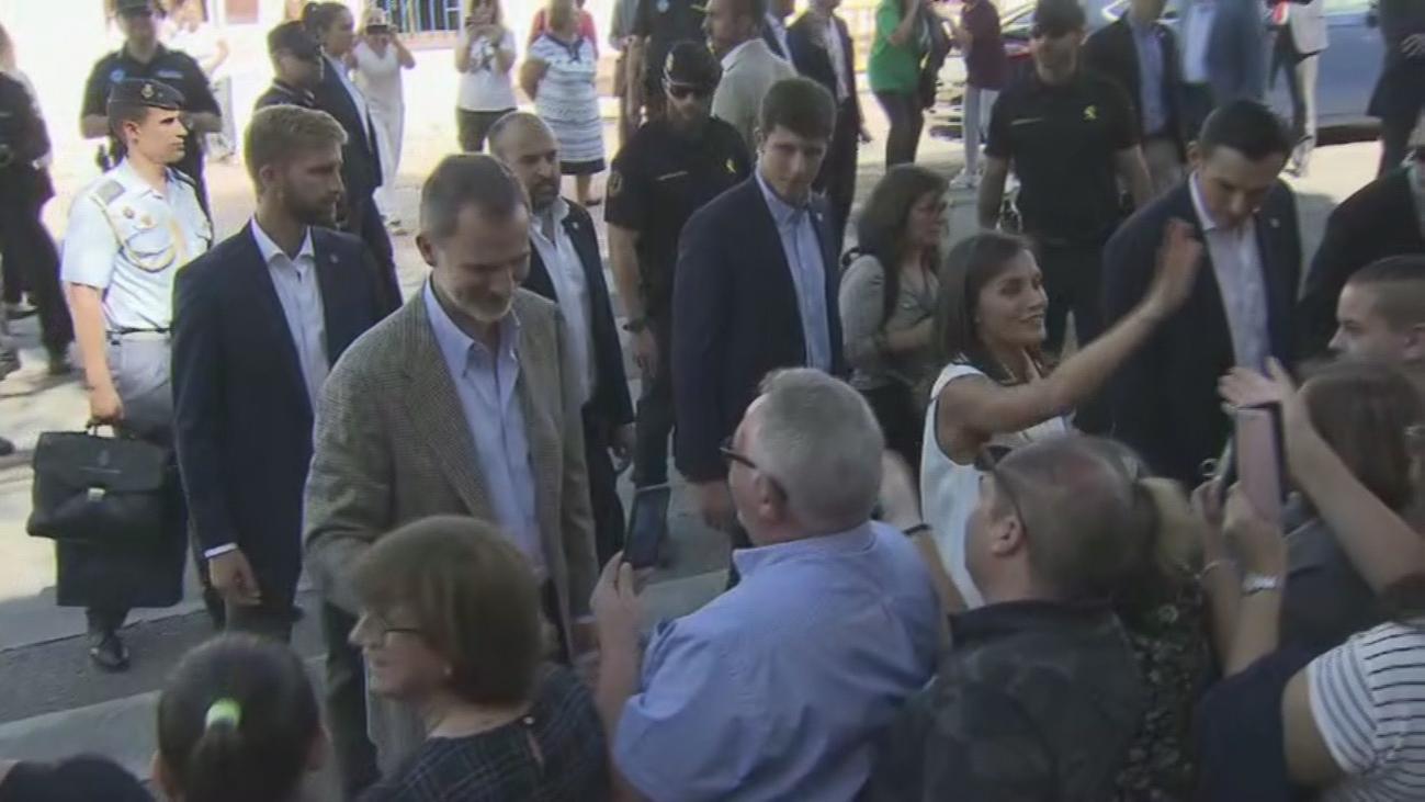 Una visita real llena de gestos