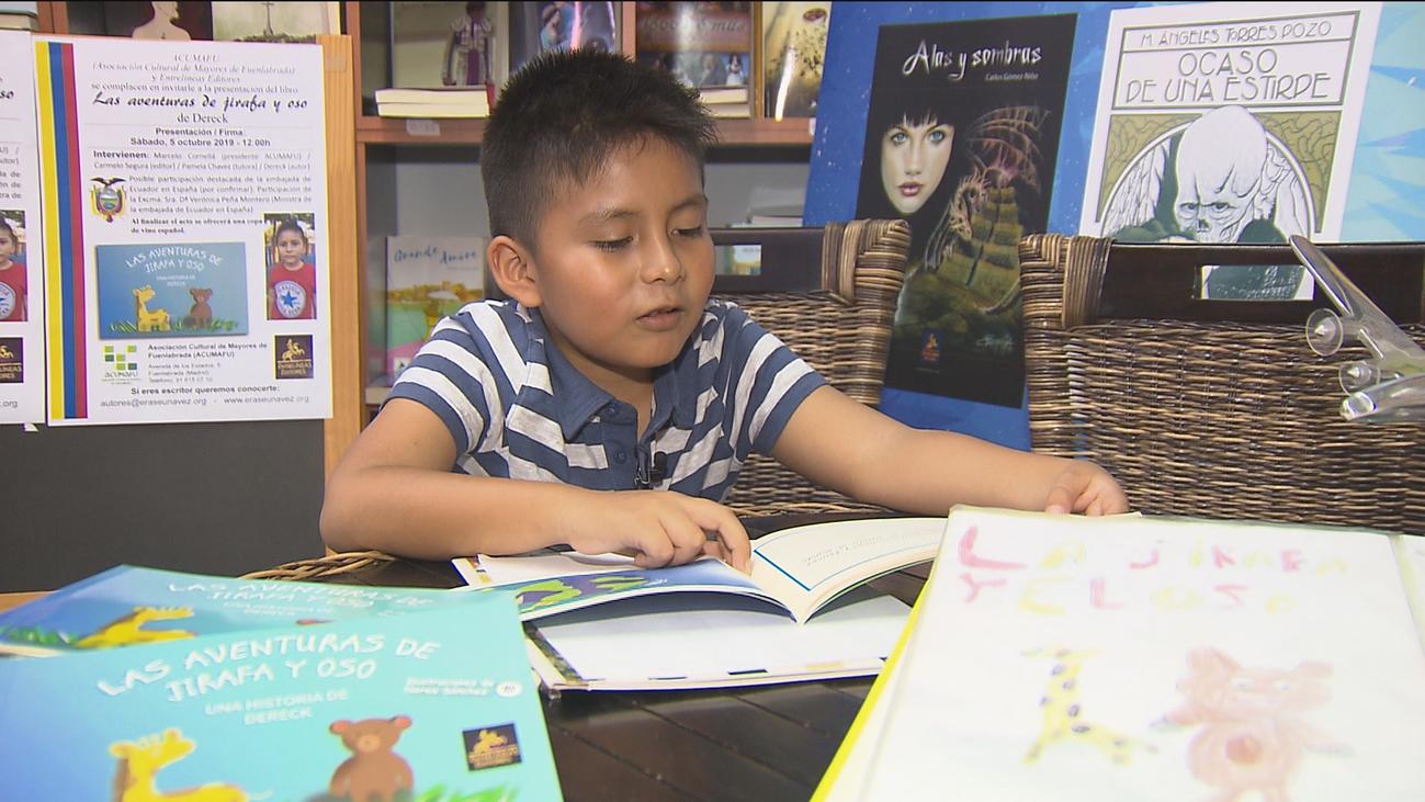 Dereck, un  escritor a los seis años en Fuenlabrada