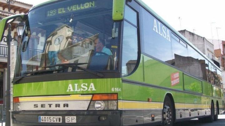 Transportes refuerza con ocho expediciones diarias los autobuses de Sierra Norte