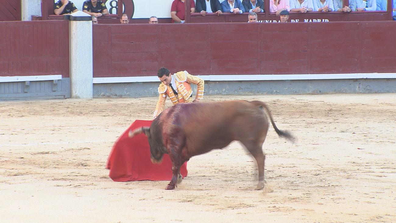 Espectacular entrada en Las Ventas para el mano a mano de Paco Ureña y Miguel Ángel Perera