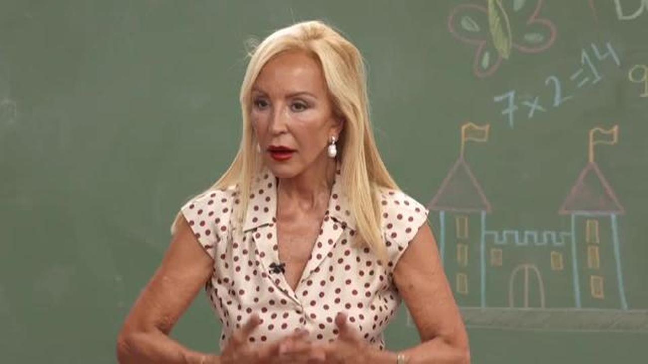 Carmen Lomana da consejos de estilismo a los políticos de nuestro país