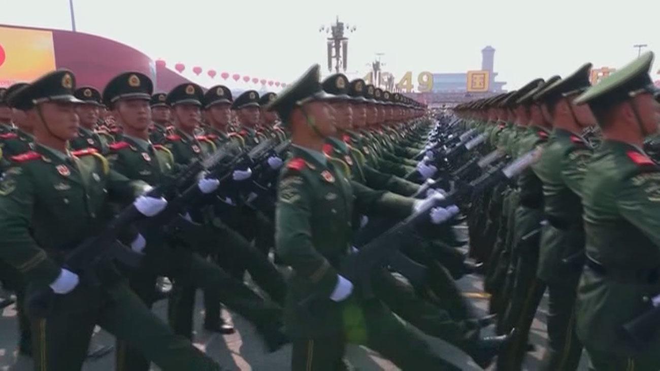 China muestra su poderío militar en el 70 aniversario de la República Popular