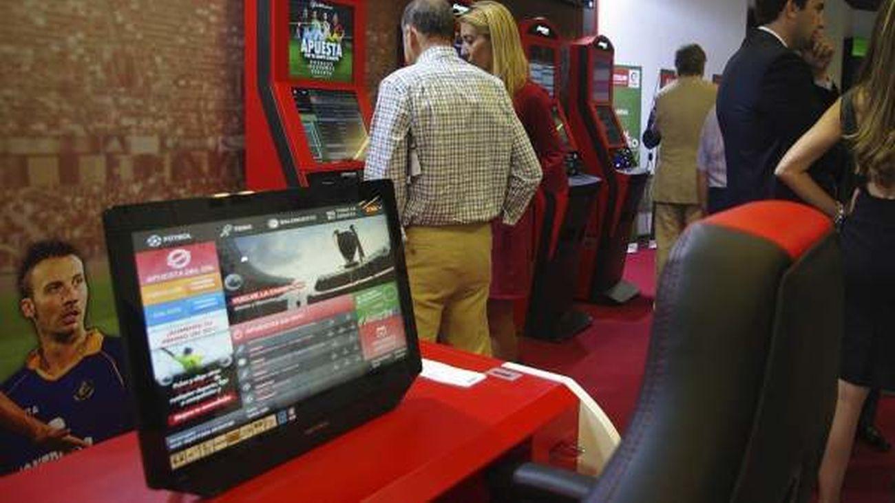 La regulación de los salones de apuestas, a debate con representantes políticos