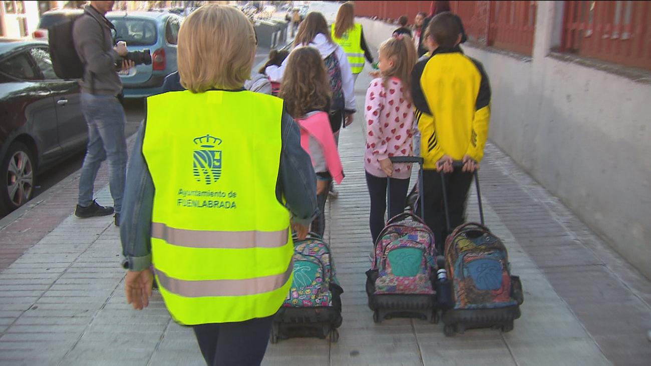 Los mayores ayudan a regular el tráfico en Fuenlabrada