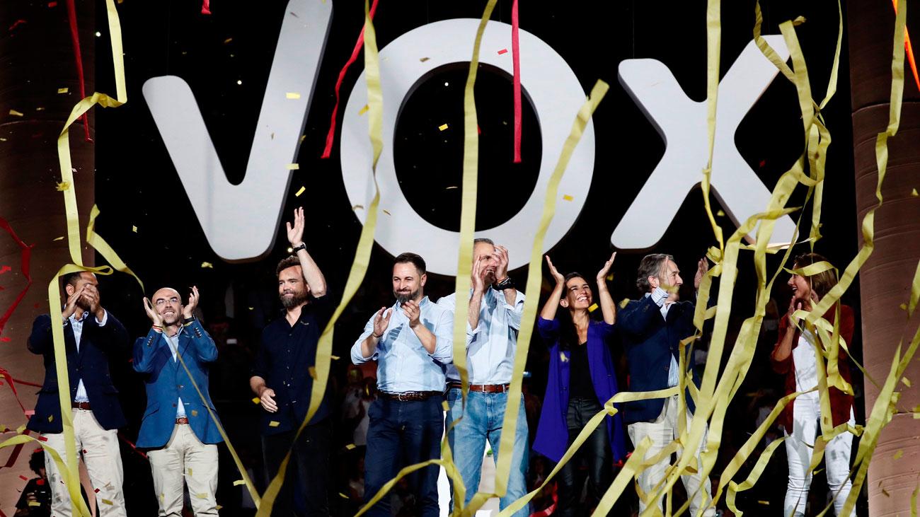 Vox  vuelve a llenar Vistalegre con duros ataques al PSOE
