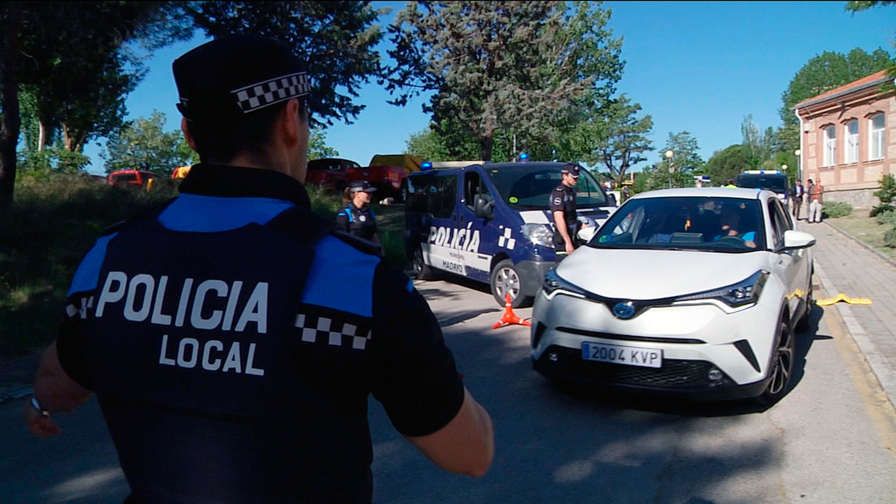 Los nuevos policías municipales de Madrid tendrán porras extensibles