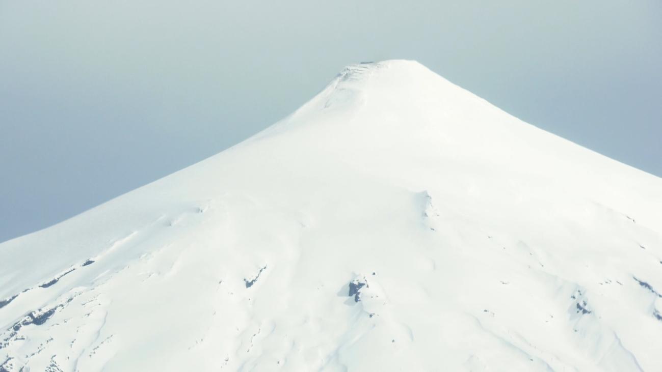 Sobrevolando el volcán más peligroso de Sudamérica