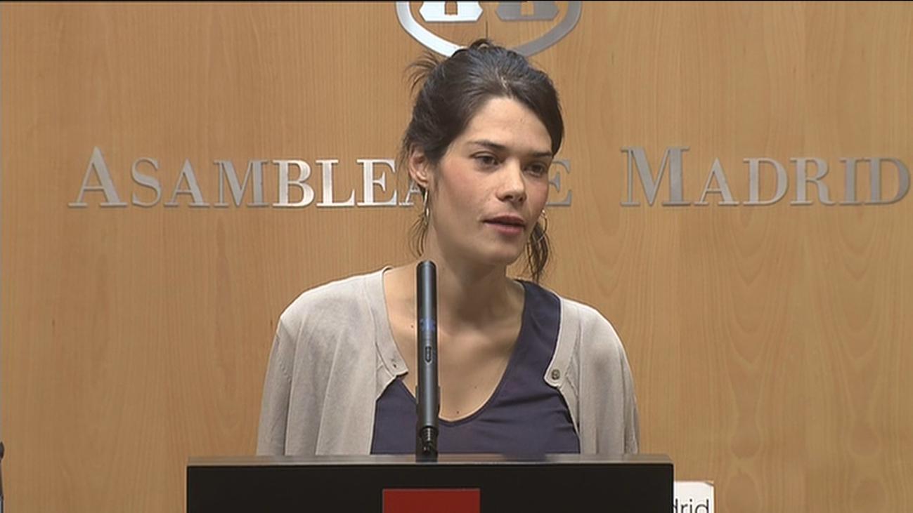 Isa Serra abre la puerta de Podemos a su hermana Clara
