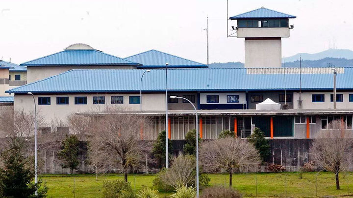 Un preso agrede a cinco funcionarios durante un cacheo en la cárcel de A Lama, en Pontevedra