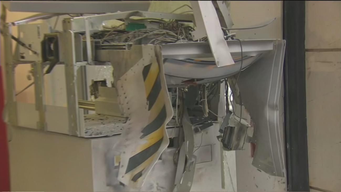 Revientan con explosivo un cajero automático en San Blas