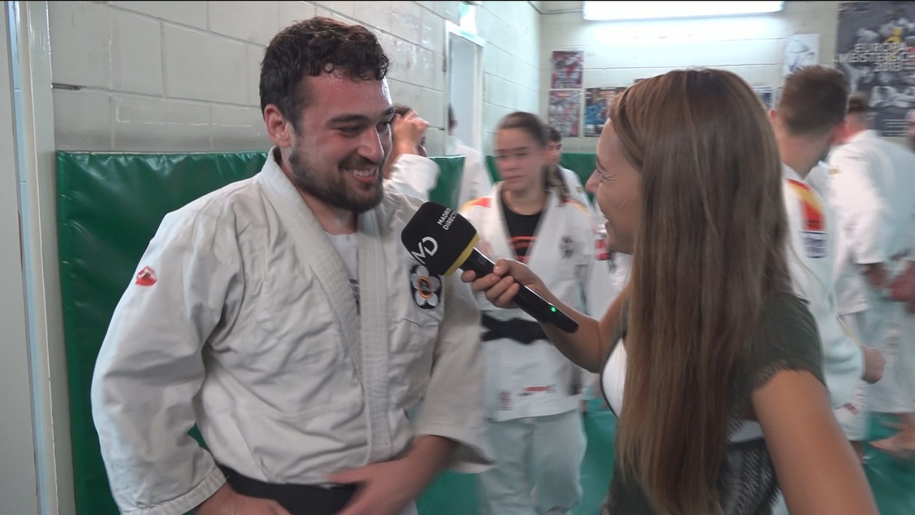 Nos colamos en una clase de campeones de Jiu-Jitsu
