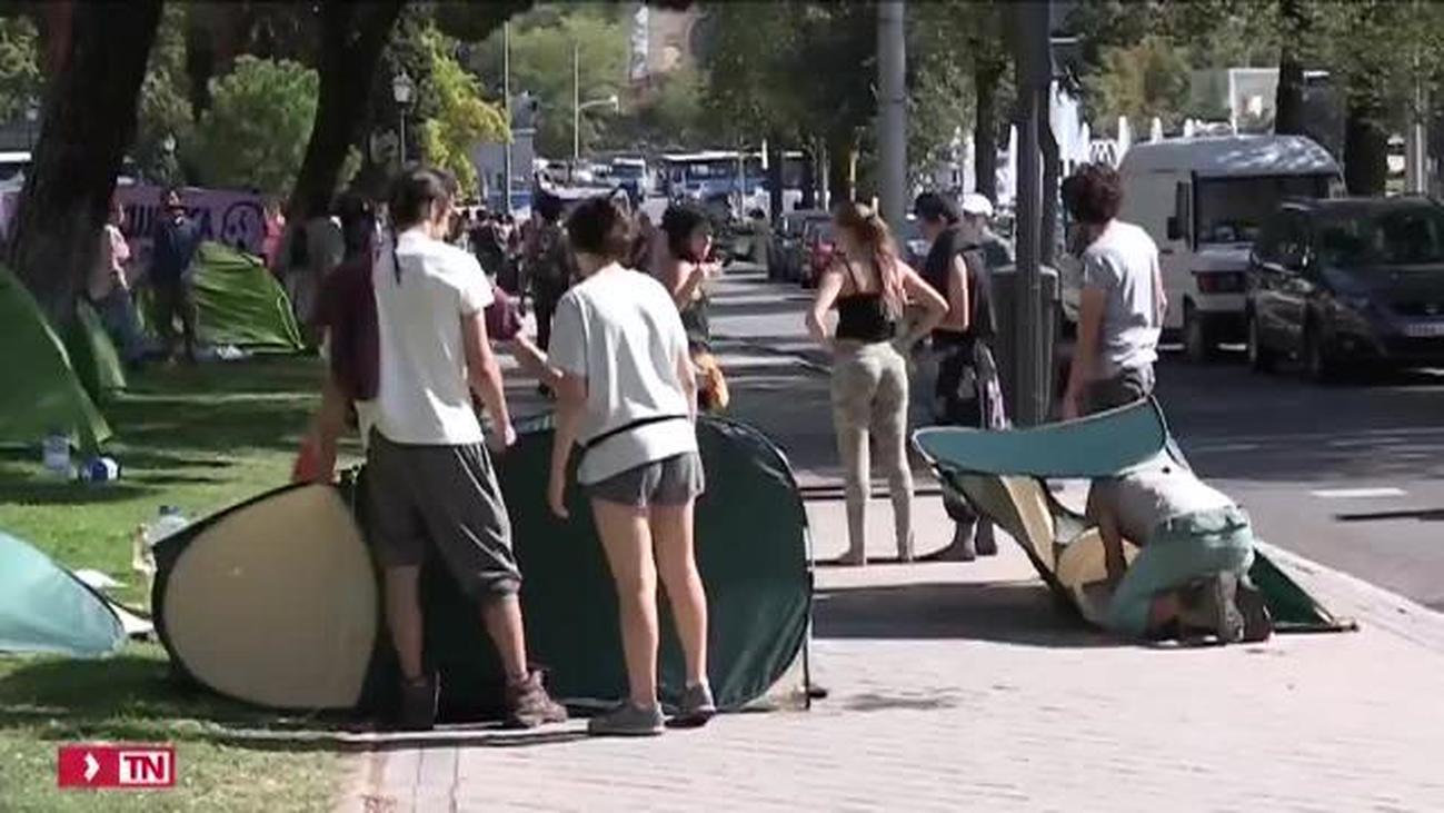 Los activistas levantan la acampada por el clima que mantenían en Madrid