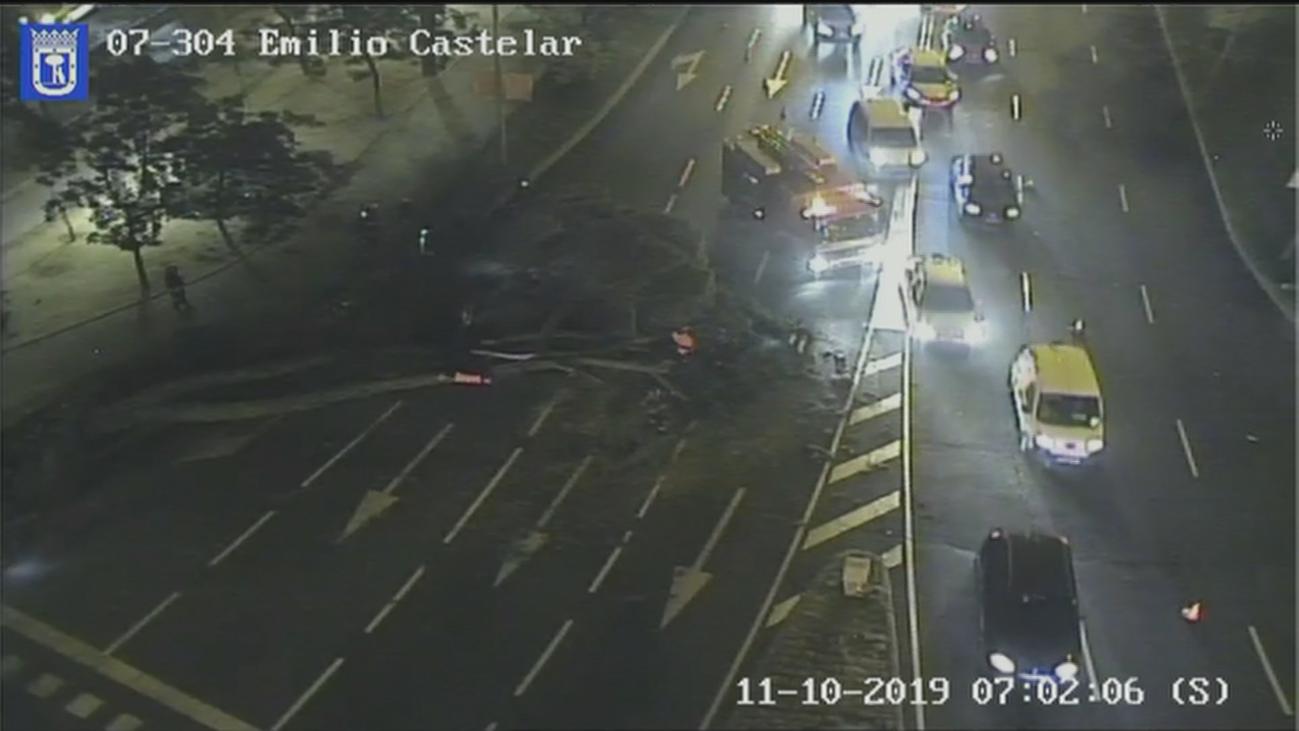 Retenciones y tráfico complicado en la plaza de Colón