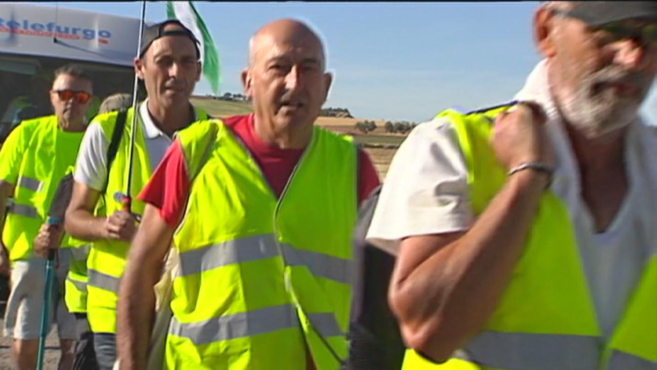 """Un grupo de jubilados vascos """"camina"""" por Madrid en busca de unas pensiones dignas"""