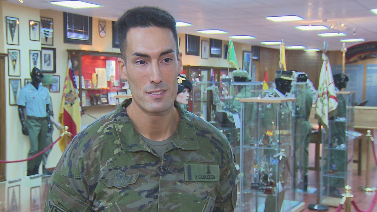 El sueño de un soldado, desfilar el Día de la Fiesta Nacional