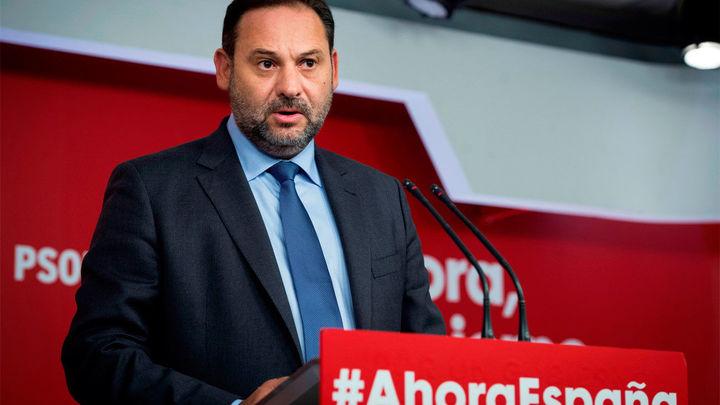 """Sánchez habla con Casado, Rivera e Iglesias, mientras Ábalos pide que """"no se sobreactúe"""" con la sentencia"""