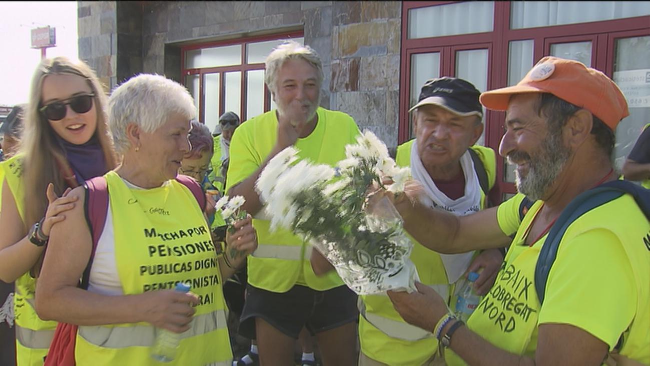 Pinto recibe a los pensionistas del sur tras recorrer a pie 700 kilómetros