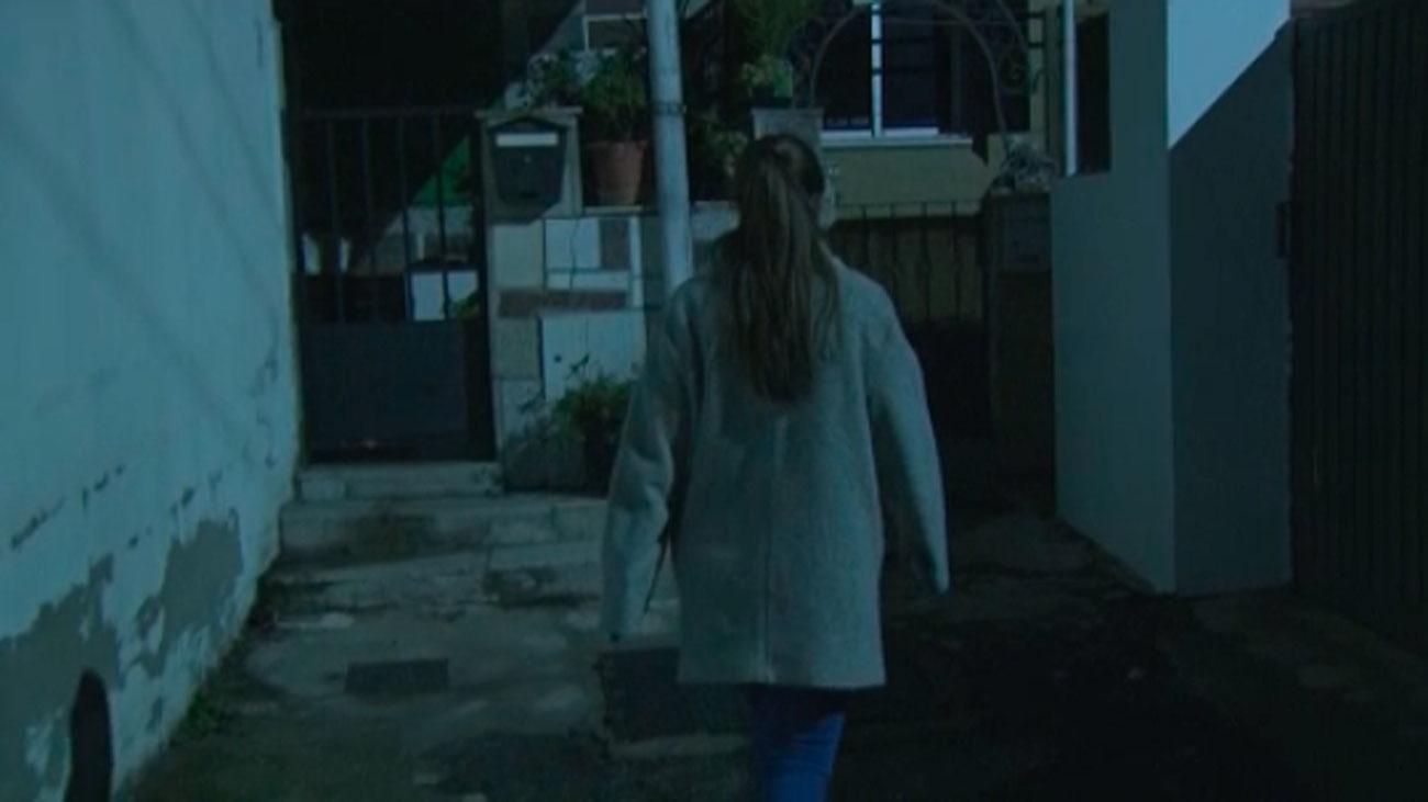 Una calle de Alpedrete recupera la luz tras la denuncia de los vecinos en Telemadrid