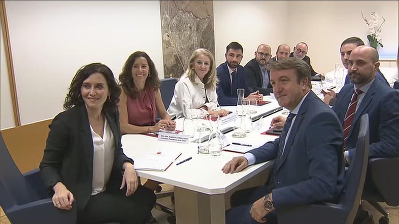 Ayuso se reúne con los alcaldes de la M-607 y reclama soluciones a Fomento