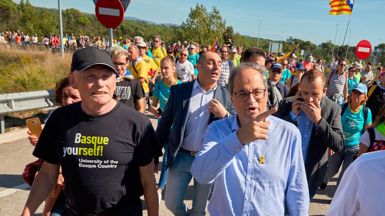 Torra se une a las marchas contra la sentencia y evita condenar la violencia