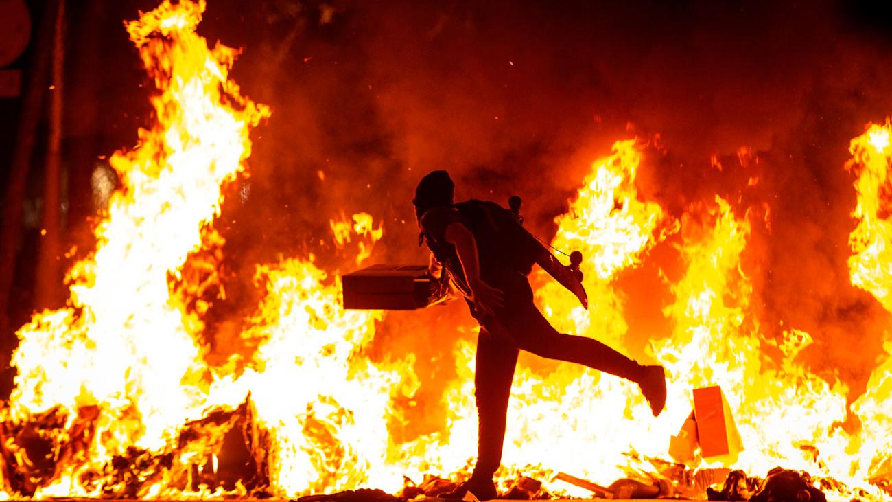 Dos cámaras de Telemadrid heridos durante las protestas en Barcelona