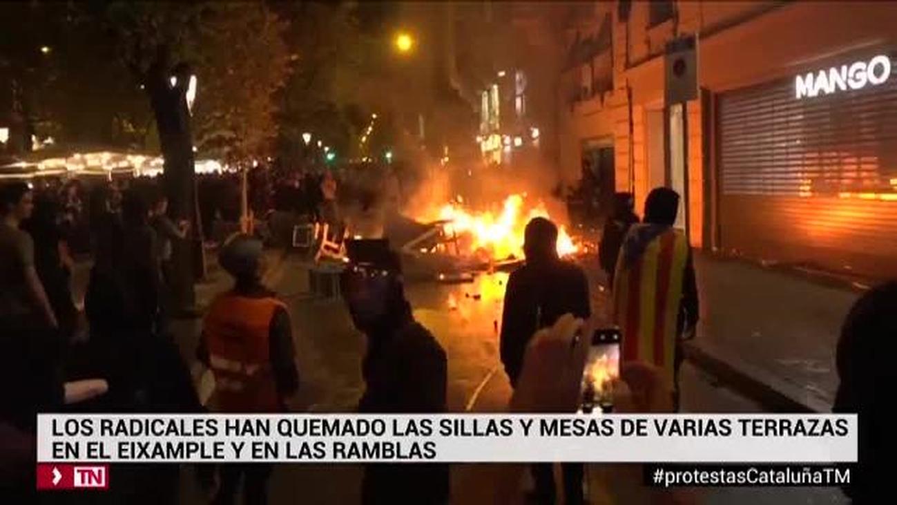 Catalogo de imágenes de la cuarta noche de subversión en Barcelona