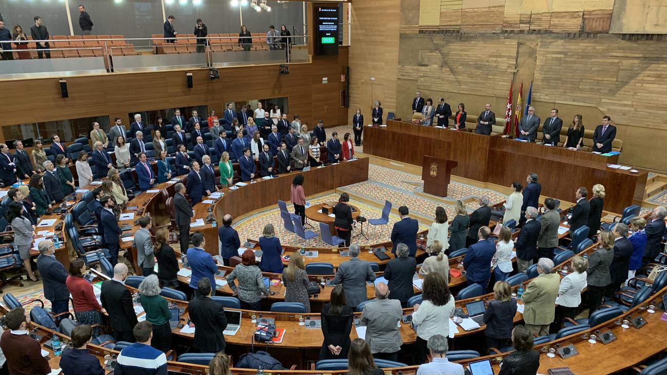 Cataluña, los presupuestos y la inmigración centran el pleno de control de la Asamblea de Madrid