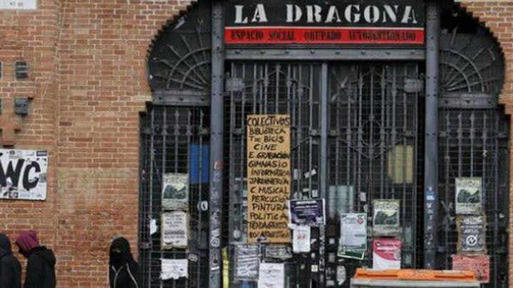 La Policía Municipal desaloja sin incidentes La Dragona