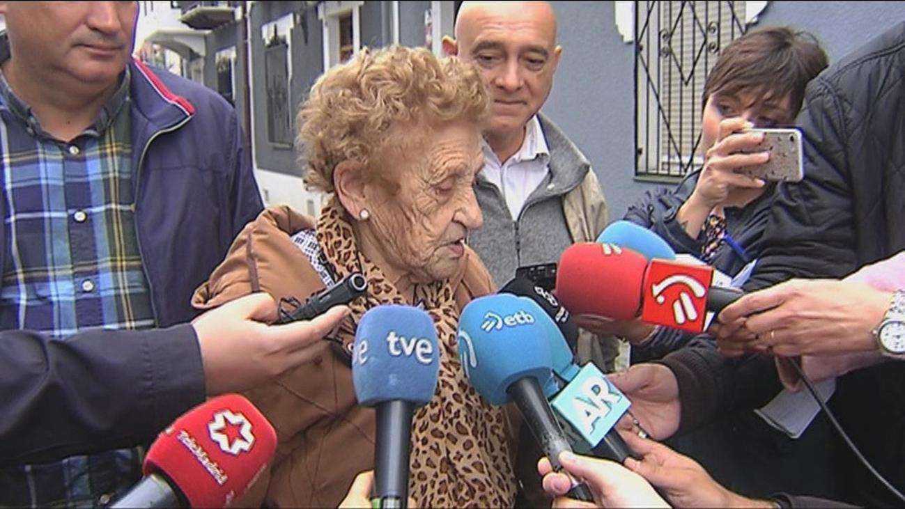 Una anciana de 94 años recupera su casa 'okupada' gracias a sus vecinos