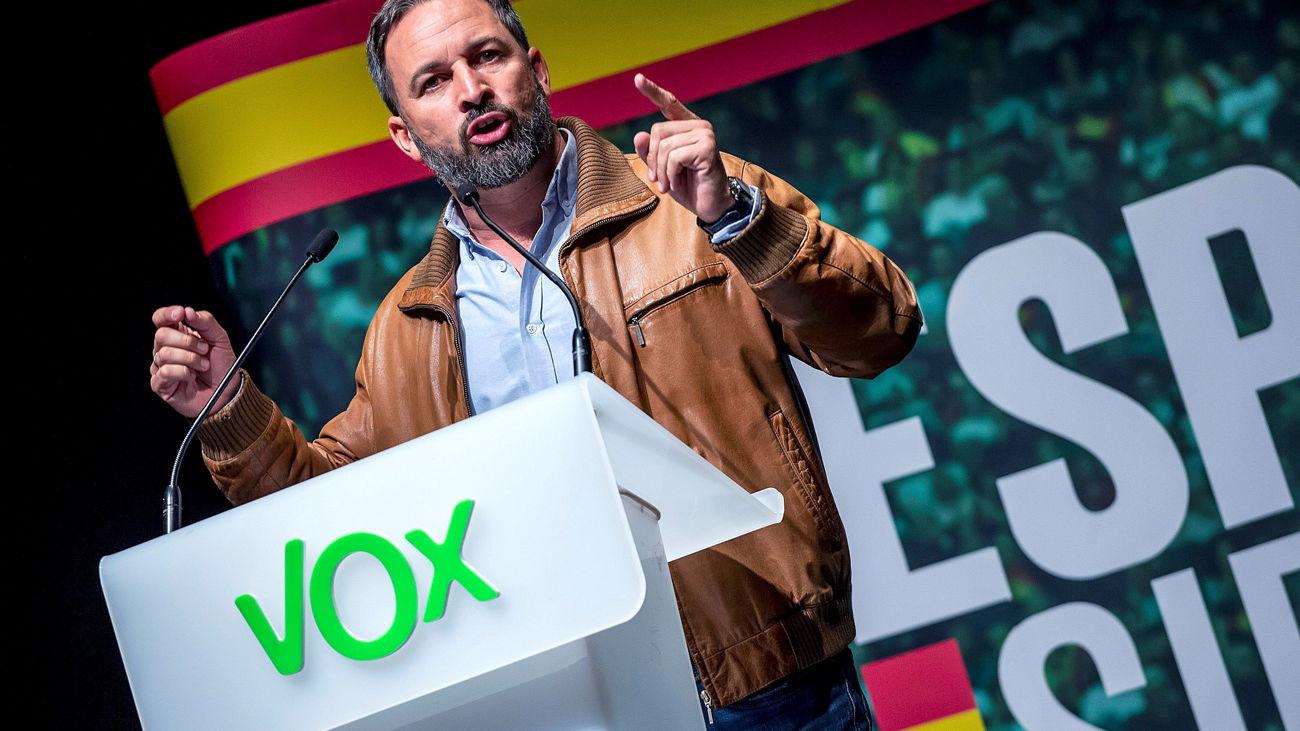 El presidente de Vox, Santiago Abascal, ofrece un discurso durante un acto público celebrado este sábado en Burgos