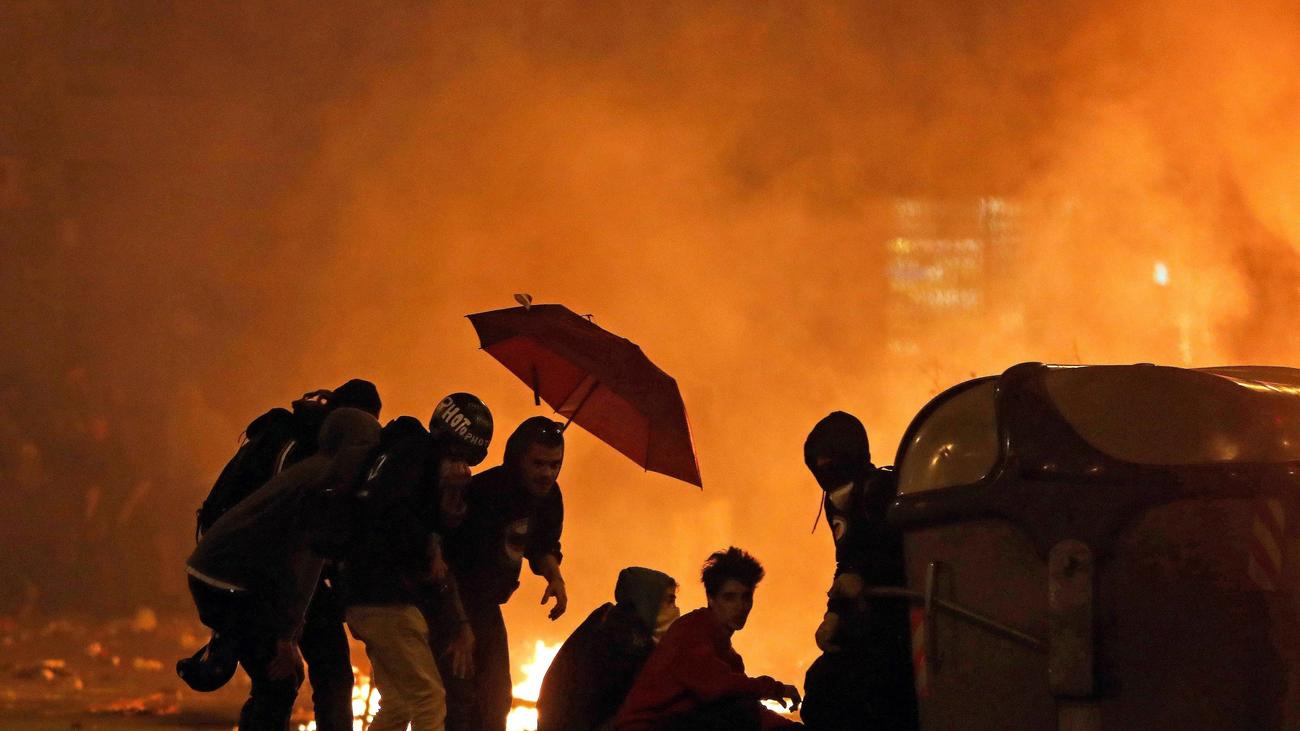 Prisión sin fianza para 6 detenidos en los incidentes de este viernes en Barcelona